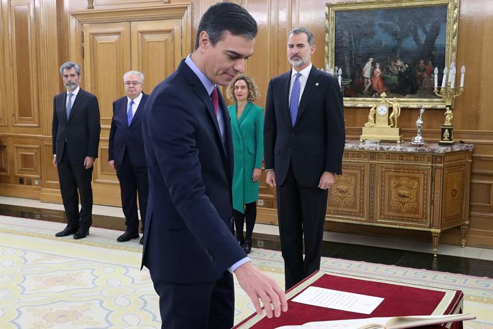 El presidente del Gobierno, Pedro Sánchez, cuando prometió su cargo tras prosperar la moción de censura.